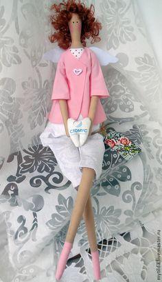 Tilda bonecas artesanais.  Ordem do anjo lindo sorriso.  Svetlana Bednenko.  Mestres justas.  Presente médico coral