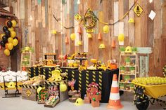 This woman's ability to style children's parties is unbelievable.  Check the construction party theme.