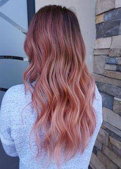 Such A Stunning Peach Hair Color Ideas Latest Hair Color, Cool Hair Color, Unique Hairstyles, Messy Hairstyles, Peach Hair Colors, Colorful Hair, Trendy Hair, Hair Highlights, Hair Trends