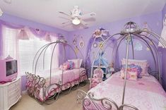 The magic of Disney has brought great princess to our daughters' life. Better bring the character to her room. Here are the Disney Princess bedroom design.