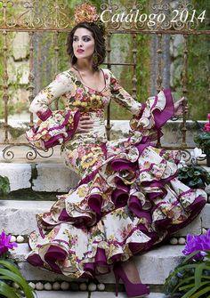 Spanish Woman, Africa Dress, 2014 Fashion Trends, Fashion Art, Womens Fashion, Costume Contest, Woman Painting, Boho, Alternative Fashion