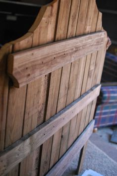 use fence boards to build rustic wood headboard, The Accent Piece on Remodelaholic