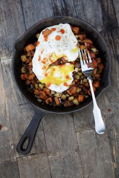breakfast idea: sweet potato, apple and pancetta hash!
