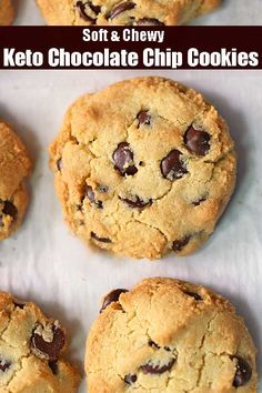 Wonderfully soft and chewy keto chocolate chip cookies are made with almond flour and extra dark chocolate chips. Wonderfully soft and chewy keto chocolate chip cookies are made with almond flour and extra dark chocolate chips, and sweetened with stevia. Desserts Keto, Desserts Sains, Keto Snacks, Dessert Recipes, Stevia Desserts, Holiday Desserts, Dinner Recipes, Easy Keto Dessert, Carb Free Desserts