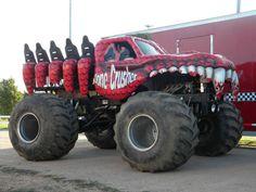Risultati immagini per monster truck Monster Truck Jam, Monster Track, Monster Car, Jeep Pickup, Pickup Trucks, Big Trucks, Ford Trucks, Bus Art, Truck Camping