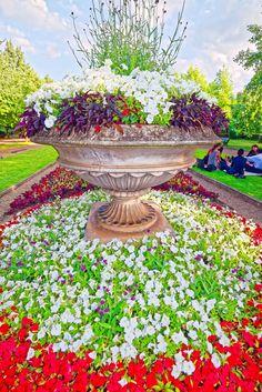 Tourism London, Regents Park London, Landscaping, Outdoor Decor, Places, Yard Landscaping, Landscape Architecture, Garden Design, Landscape Design