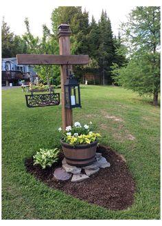 Garden Yard Ideas, Lawn And Garden, Garden Projects, Spring Garden, Garden Tips, Diy Projects, Mailbox Landscaping, Driveway Entrance Landscaping, Mailbox Garden