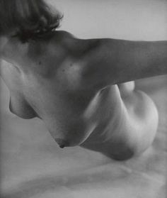 "the-prussian-officer: "" Martin Munkacsi "" Martin Munkacsi, 1940s, Richard Avedon, Antique Paint, Boudoir Photography, At Least, Pure Products, Black And White, Bodies"