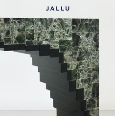 Detail of our Joe Console in green mica & black lacquer. Designed by Jallu, Jallu Creations 2021, mica furniture, green mica, furniture makers, furniture designer, artisan, luxury furniture, luxury interiors, savoir faire, Made in France, interior inspiration, modern luxury, craftmanship
