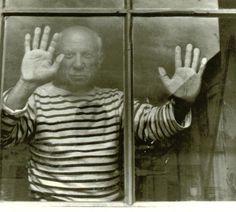 Picasso em Paris, 1952, fotografado por Robert Doisneau. Veja mais em: http://semioticas1.blogspot.com.br/2012/11/picasso-em-preto-e-branco.html