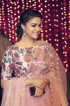 Keerthi Suresh Photos including Actress Keerthy Suresh Latest Stills Most Beautiful Indian Actress, Beautiful Actresses, Hd Photos, Girl Photos, Beautiful Women Over 40, Beautiful Eyes, Anupama Parameswaran, Saree Blouse Designs, Salwar Designs