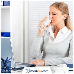 Kafeinin uyarıcı etkisinden dolayı ofiste fazla miktarda tüketilen çay-kahve vücutta su tutulmasını arttırıyor ve içilen su miktarı azalıyor. Bu yüzden toplam çay-kahve tüketiminin günde ortalama 6 fincanı geçmemesi ve günde en az 2,5 litre su içilmesi gereklidir.