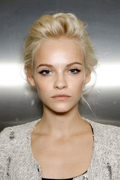 Love this natural beauty look on Ginta Lapina backstage at Dolce & Gabbana Spring 2012.