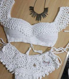 Pin em crochet, knit , tat, macrame etc Crochet Lingerie, Crochet Bra, Crochet Bikini Pattern, Crochet Halter Tops, Crochet Bikini Top, Crochet Collar, Crochet Clothes, Crochet Bathing Suits, Crochet Wedding