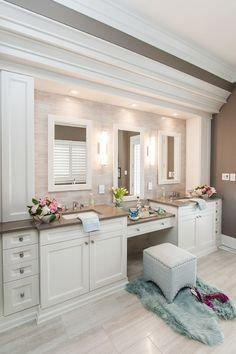 53 Most fabulous traditional style bathroom designs ever Traditional Bathroom Design Ideas Master Bathroom Vanity, Next Bathroom, Bathroom Renos, Bathroom Renovations, Bathroom Interior, Modern Bathroom, Home Remodeling, Bathroom Ideas, Bathroom Vanities
