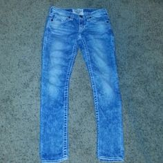 """Big Star Jeans Cotton denim jeans with a slightly distressed design jeans with front and back pockets back pockets have a button flap closure 32""""Inseam Big Star Jeans"""