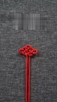 You do things… Macrame Bracelet Patterns, Diy Friendship Bracelets Patterns, Diy Bracelets Easy, Bracelet Crafts, Macrame Patterns, Jewelry Crafts, Beaded Bracelet, Hemp Bracelets, Rope Crafts