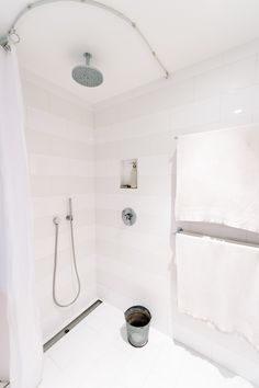 Photos - Zero Waste Home Minimalist Interior, Minimalist Home, Zero Waste Home, Tile Patterns, Interior Decorating, Bathtub, Interiors, Simple Living, Bathroom