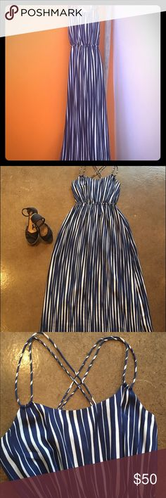 Banana Republic Maxi Dress Set sail in this gorgeous navy and white maxi dress. Pair it with a pair of espadrilles for your next party Banana Republic Dresses Maxi