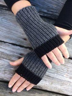 Womens Fingerless Gloves Hand Warmers Fingerless gloves Knit Gloves Wrist Warmers Texting Gloves Grey and black Fingerless Gloves Crochet Pattern, Fingerless Gloves Knitted, Knit Mittens, Loom Knitting, Knitting Patterns Free, Hand Knitting, Free Pattern, Wrist Warmers, Texting Gloves