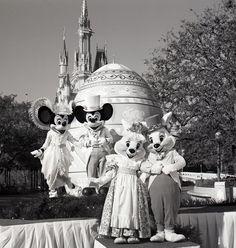 Happy Easter!! Vintage Walt Disney World: Mr. & Mrs. Easter Bunny Visit Magic Kingdom Park