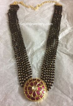 Multistring nallapusalu necklace with kundan pendant photo Accesories - Accesories jewelry - Accesor Silver Jewellery Indian, Gold Jewellery Design, Bead Jewellery, Beaded Jewelry, Beaded Necklace, Handmade Jewellery, Gold Jewelry, Gold Necklace, Indian Necklace