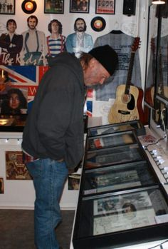 Neil Young checks out Youngtown.  (BRENDA HOSIER PHOTO)