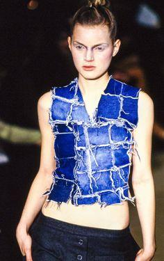 Alexander McQueen Fall 1996 Ready-to-Wear Accessories Photos - Vogue