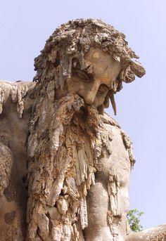Il colosso dell'Appennino di Giambologna nel Parco mediceo di Pratolino