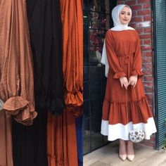 new season BA-YIL-DIKK Hanım with her ladybug posture and amazing fabric … – Best Of Likes Share Hijab Fashion Summer, Modest Fashion Hijab, Hijab Style Dress, Modern Hijab Fashion, Hijab Chic, Abaya Fashion, Hijab Outfit, Muslim Fashion, Fashion Dresses