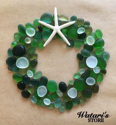lovely sea glass wreath for a beach/ ocean inspired home. Glass Wall Art, Sea Glass Art, Sea Glass Jewelry, Mosaic Glass, Fused Glass, Glass Vase, Sea Glass Crafts, Sea Crafts, Stone Crafts