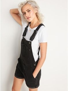 Jean Short Overalls, Black Overalls, Black Jean Shorts, Black Jeans Women, Old Navy Women, Simple Outfits, Casual Outfits, Fashion Outfits, Lesbian Outfits