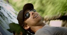 Ray-Ban Aviator sunglasses worn by Kip Moore in SOMETHIN' 'BOUT A TRUCK by Kip Moore (2010) @raybanofficial