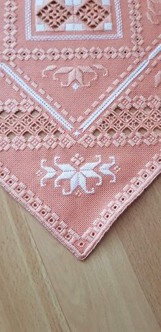 Drawn Thread, Hand Knit Scarf, Hardanger Embroidery, Needle Lace, Hand Knitting, Couture, Easy Diy, Projects To Try, Weaving