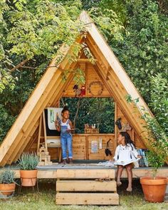 Gardening for kids, Play houses, Outdoor play areas, Backyard play, Backyard pla. Outdoor Forts, Outdoor Play Areas, Outdoor Spaces, Outdoor Crafts, Outdoor Seating, Diy Playhouse, Playhouse Outdoor, Kids Outside Playhouse, Modern Playhouse