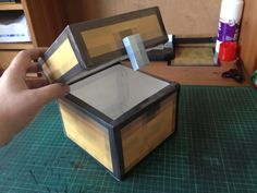 Large usable Minecraft chest, made with papercraft. #minecraft #papercraft #minecraftchest