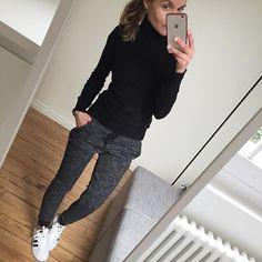 Comfy sunday ✌️ #ootd#sunday#sundaylook#comfylook#dailylook#lookoftheday#dailyoutfit#whatimwearingtoday#mylook#metoday pull#ericbompard jogging#bershka #superstar#adidassuperstar
