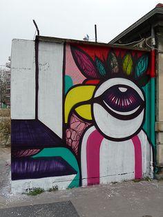 warning!  out of the box! a graffiti art spot?   {Art de la rue, quai de la Marne, Paris 19e (75)}