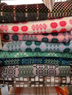 welsh blankets offer lovely colours and textures Textile Fabrics, Textile Patterns, Color Patterns, Print Patterns, Welsh Blanket, Wool Blanket, Retro Vintage, Plaid, Soft Furnishings