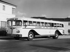 Vintage Crown Supercoach Bus Coach, Tandem, School District, Old Trucks, Transportation, The Past, School Buses, Black And White, Cars