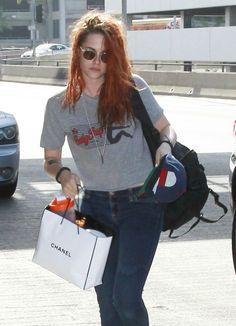 Kristen Stewart Embarcando No Aeroporto De Los Ang...