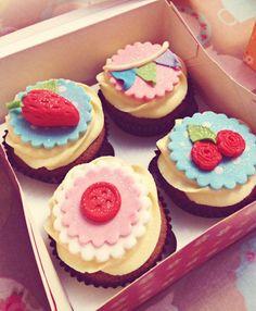 Cath Kidston themed Cupcakes.