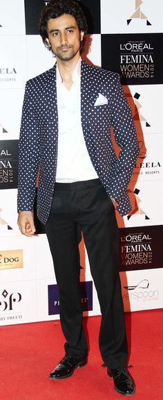 Kunal Kapoor at the L'Oreal Paris Femina Women Awards 2014. #Style #Bollywood #Fashion #Handsome