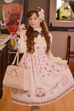 Mi lolita hermosa a la que tanto amo. Su estilo es muy elegante con un gusto muy exquisito.