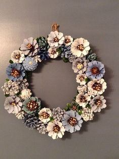 Pine cone decorations silver and gold wreath decorating pine cones for christmas martha stewart . Nature Crafts, Fall Crafts, Christmas Crafts For Kids, Holiday Crafts, Home Crafts, Christmas Wreaths, Arts And Crafts, Christmas Decorations, Diy Crafts