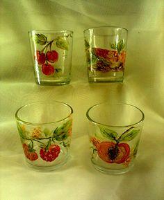 Vejam como ficaram lindinhos os copos pintados com frutas! Parabéns à Luzimar pelo capricho sempre presente em seus trabalhos!