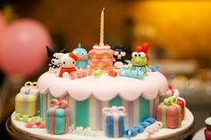 sanrio cake... i would have flipped out if i got this as a kid!