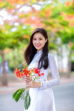 Nữ sinh Sài thành duyên dáng trong tà áo dài tinh khôi - Hot teen - Thegioitre.vn