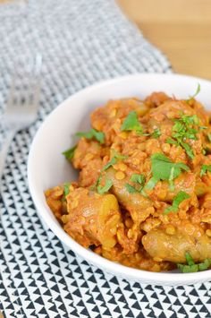 Potato and Lentil Curry (with cumin roasted cauliflower) Lentil Recipes, Curry Recipes, Beef Recipes, Vegetarian Recipes, Cooking Recipes, Vegan Soups, Vegan Dinners, Vegan Food, Vegan Vegetarian