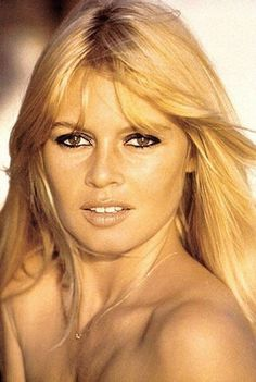 Timeless Sexiness: Get The Look Of Brigitte Bardot with French Cosmetics Bridgitte Bardot, Maquillage Brigitte Bardot, Bardot Brigitte, Divas, Marlene Dietrich, French Actress, American Actress, Tina Turner, Classic Beauty